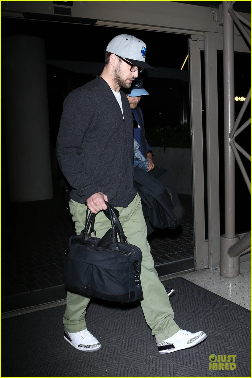 justin timberlake supports memphis grizzlies at lax airport 012961453