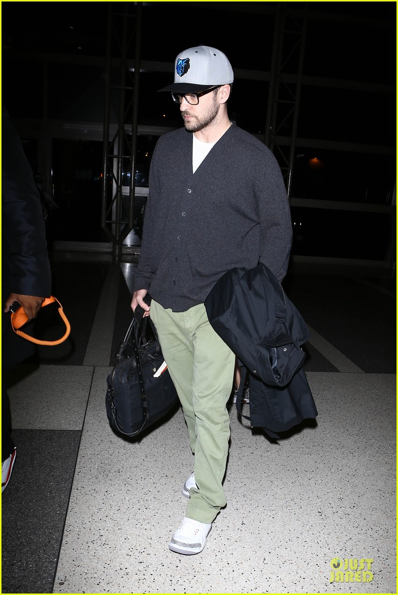 justin timberlake supports memphis grizzlies at lax airport 092961461