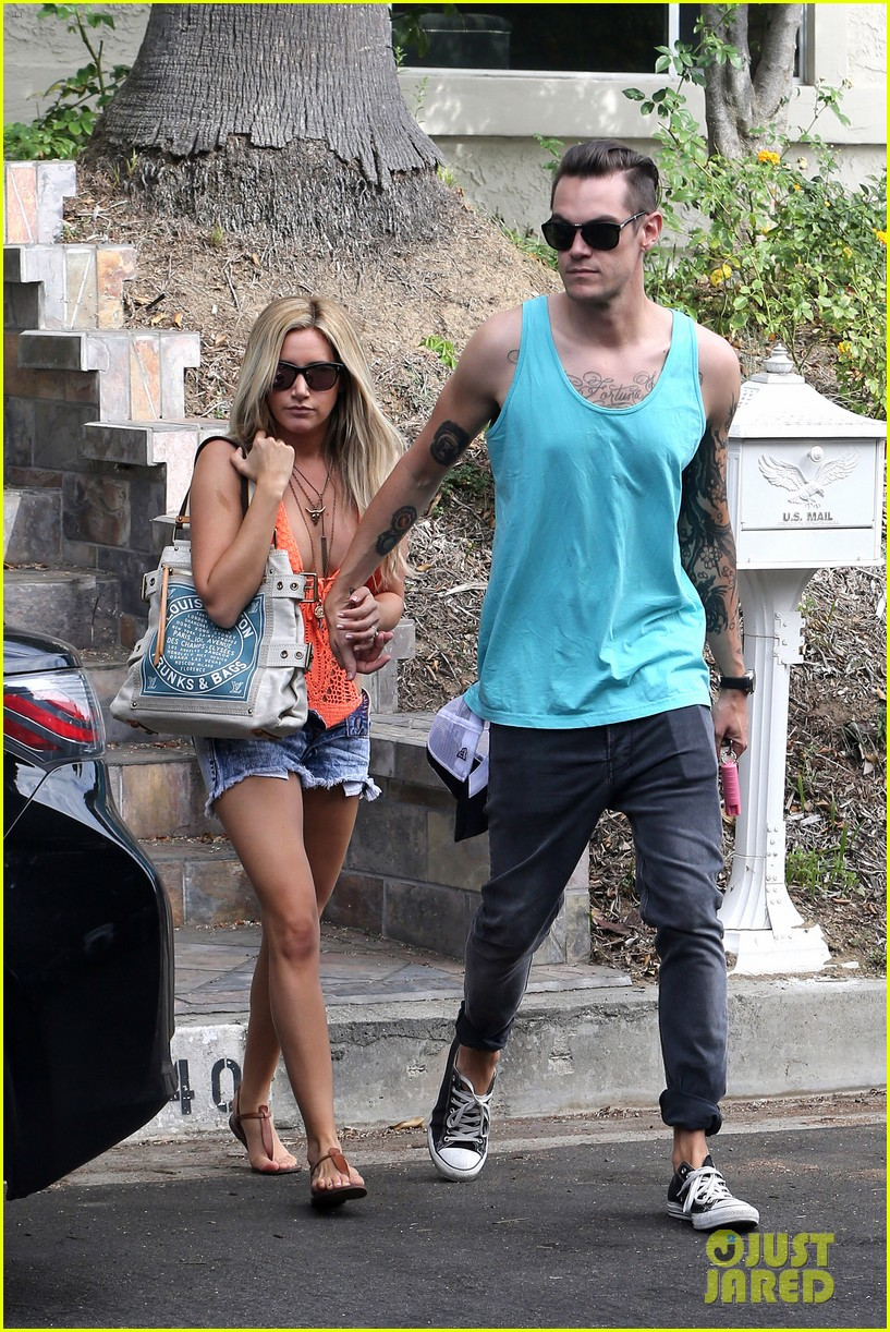 ashley tisdale labor day party with christopher french 072942346
