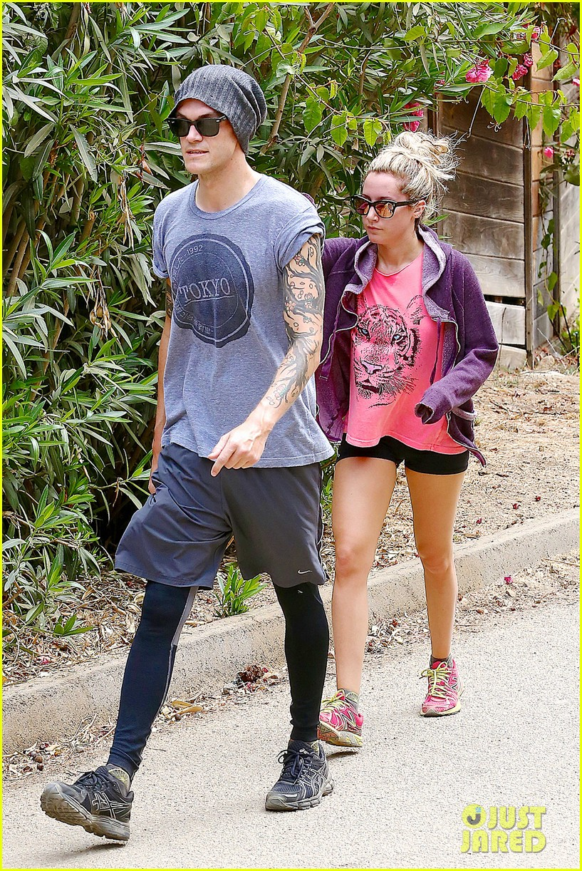ashley tisdale labor day party with christopher french 192942358