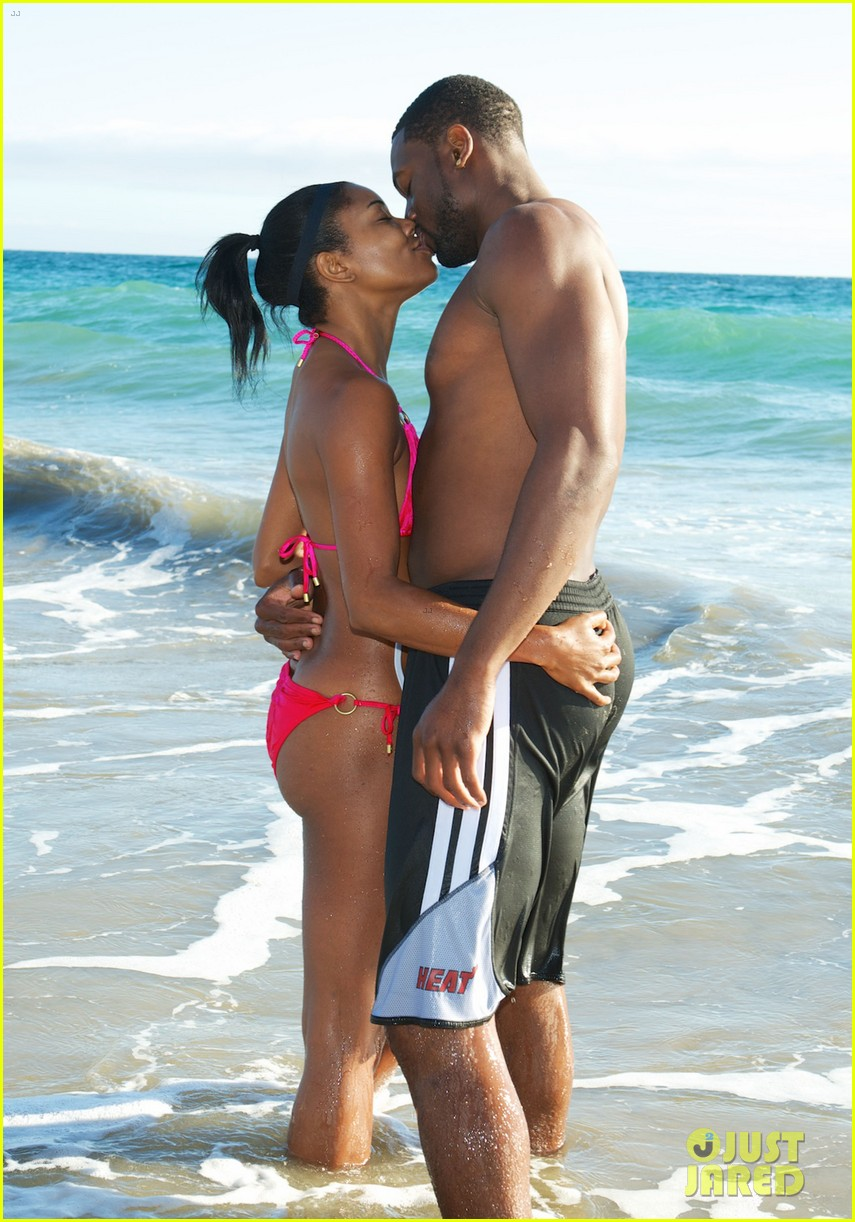 gabrielle union bikini beach babe with shirtless dwyane wade 032957286