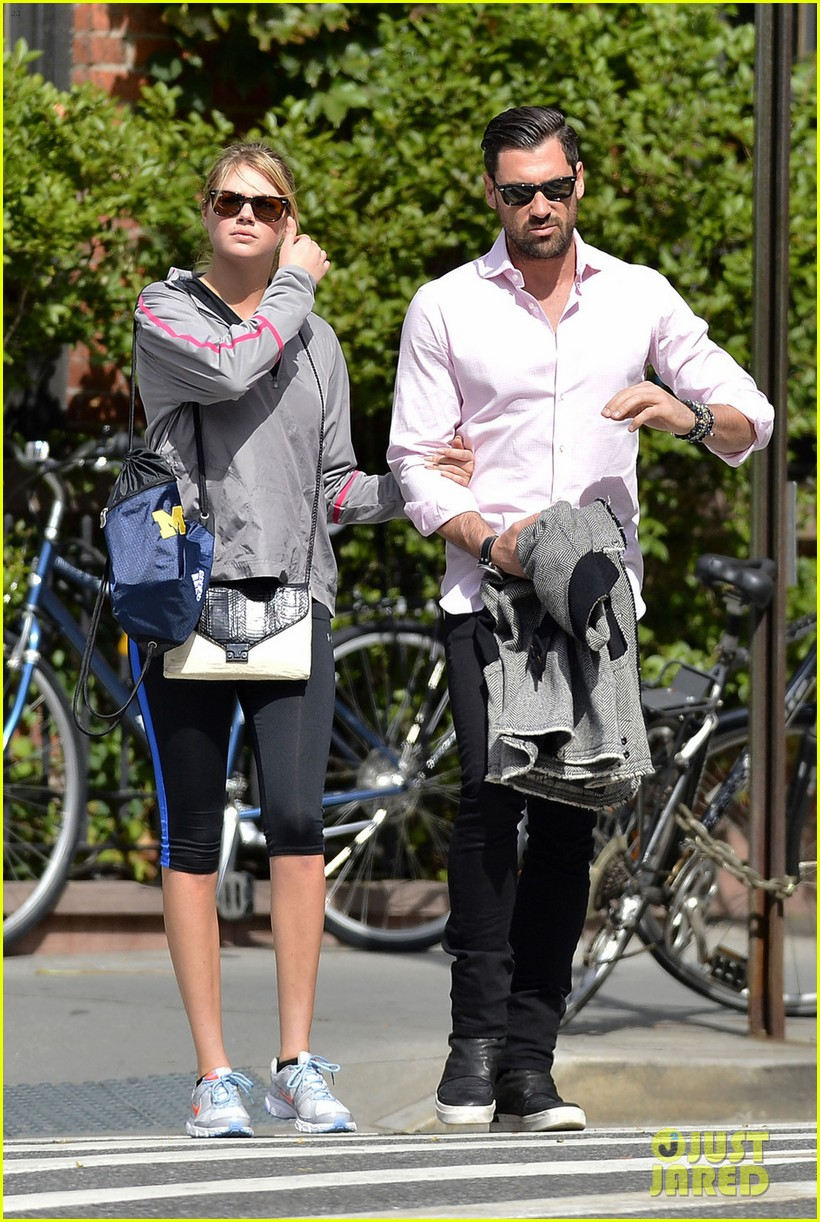 kate upton holds hands with maksim chmerkovskiy 072963183