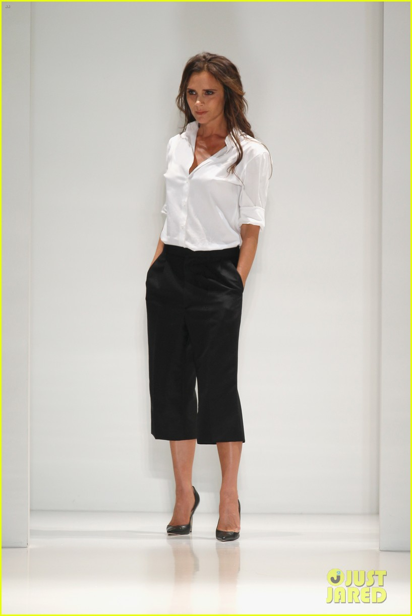 victoria beckham presents her spring collection at fashion week 022947010