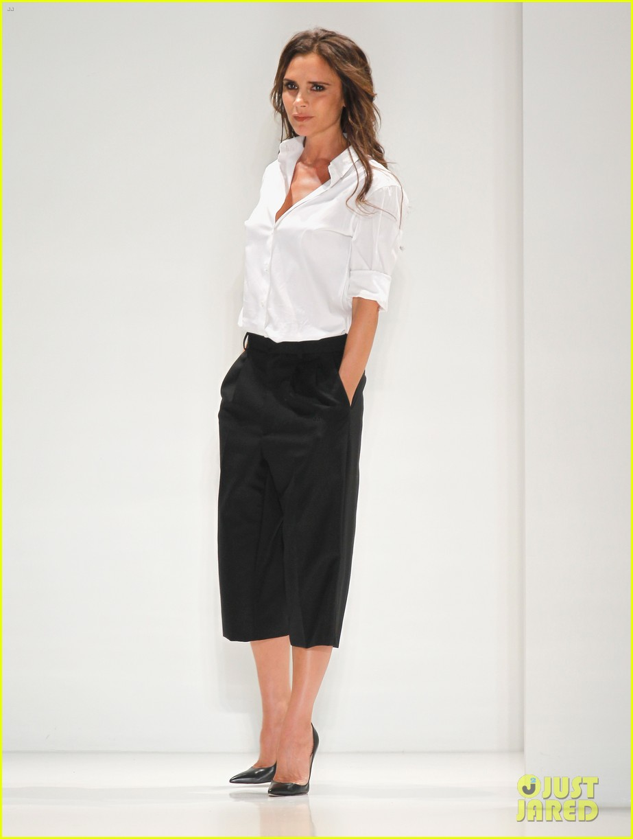 victoria beckham presents her spring collection at fashion week 082947016