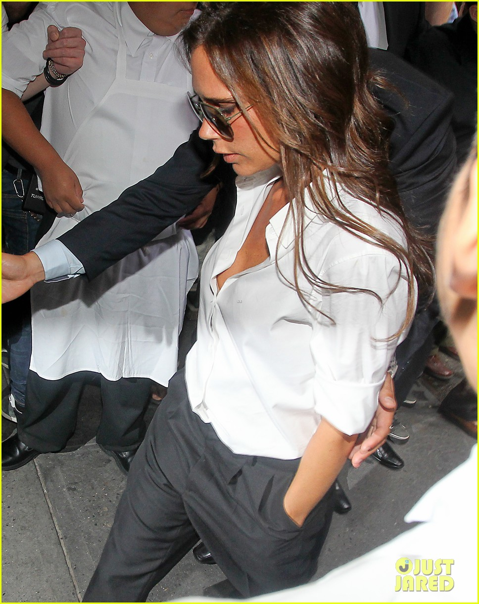 victoria beckham presents her spring collection at fashion week 112947019