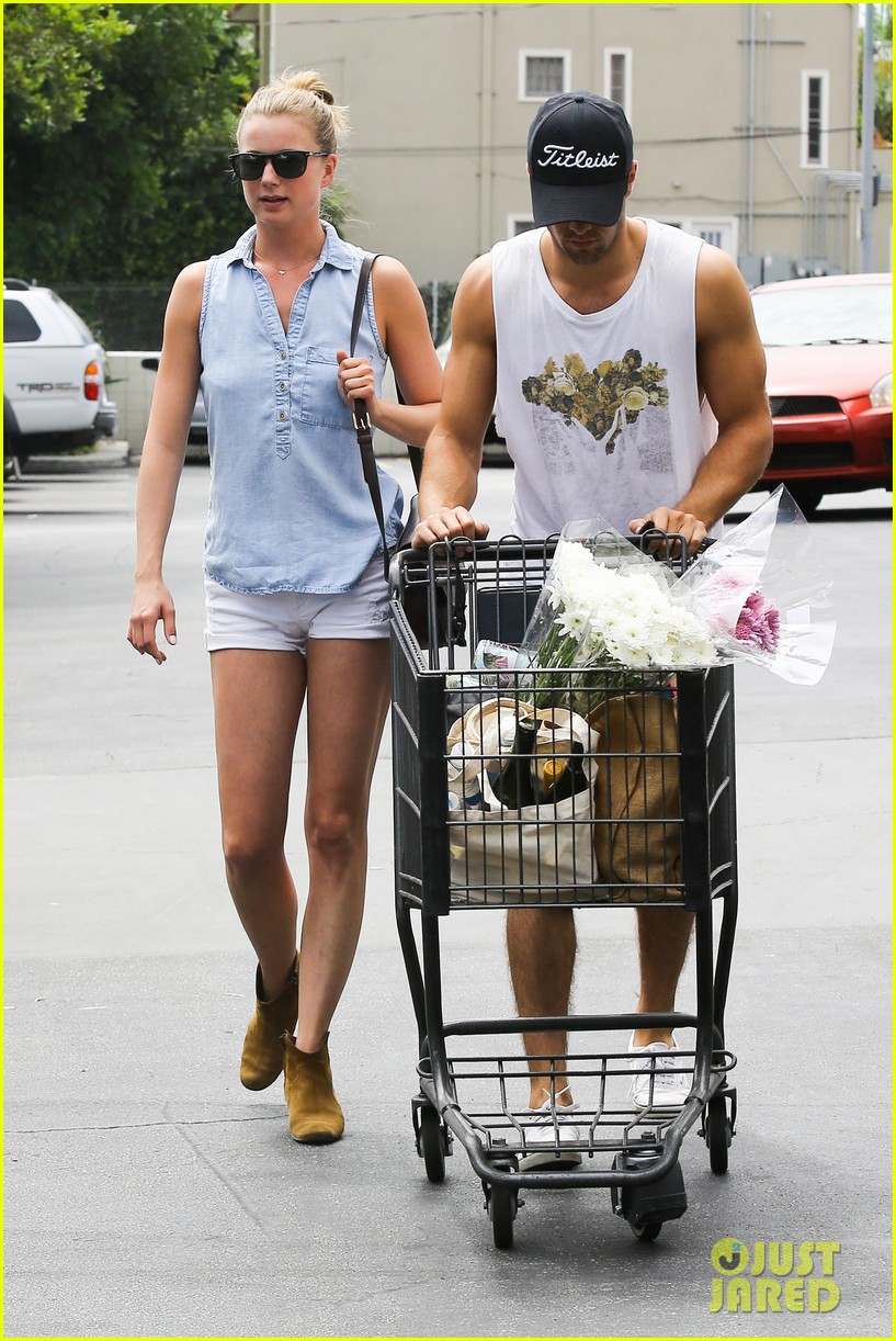 emily vancamp josh bowman get groceries at gelsons 012941470