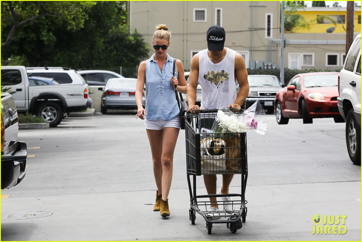 emily vancamp josh bowman get groceries at gelsons 122941481