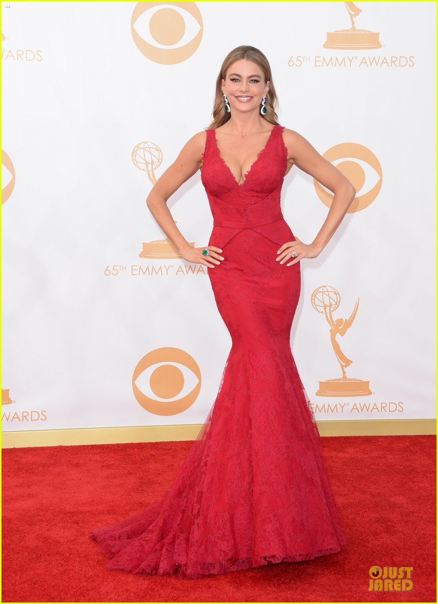 sofia vergara julie bowen emmys 2013 red carpet 012958173