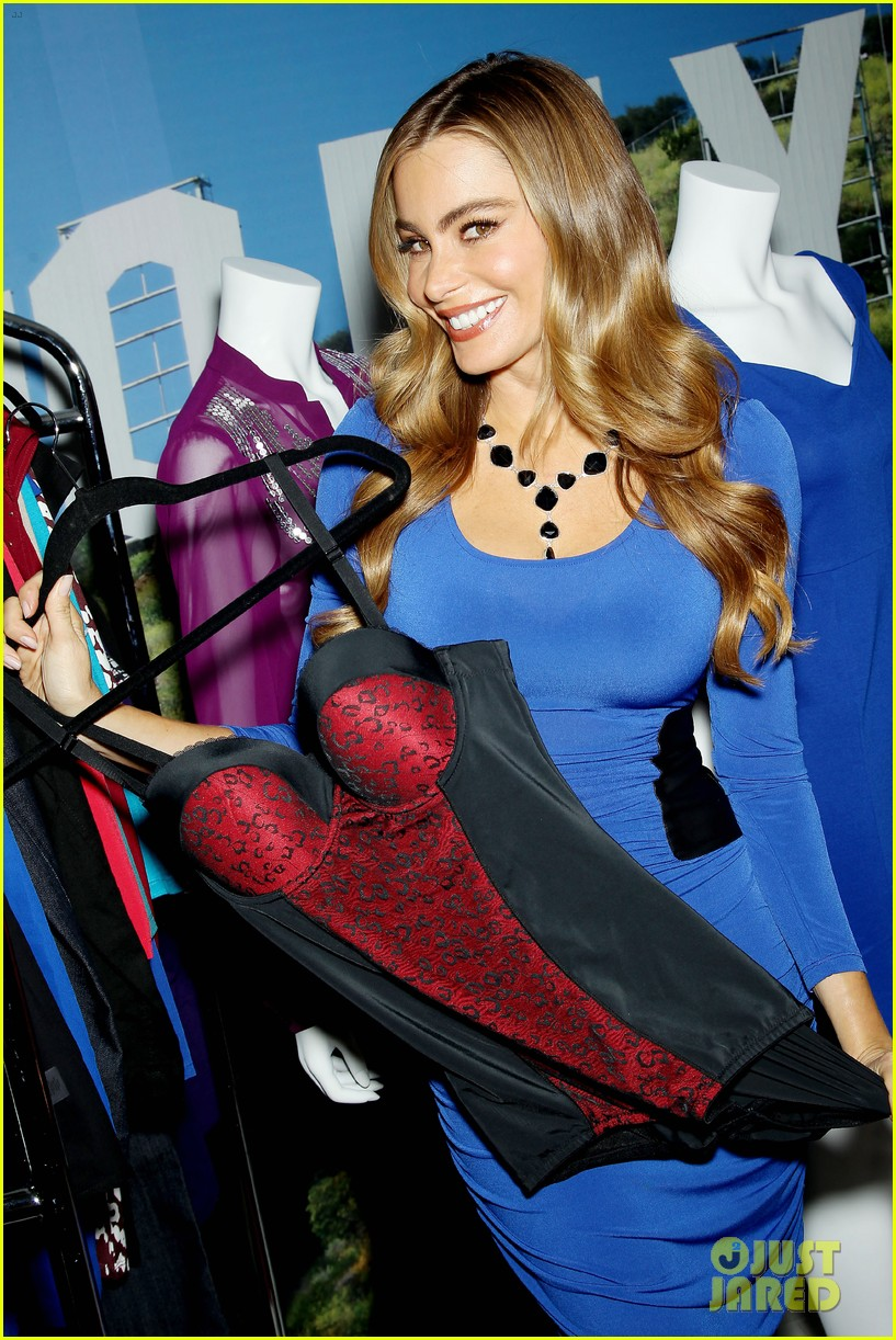sofia vergara celebrates fall holiday collections for kmart 182959991