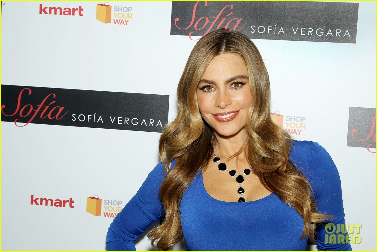sofia vergara celebrates fall holiday collections for kmart 25