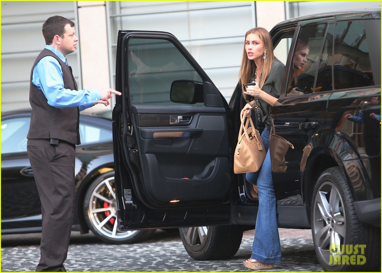 sofia vergara modern family returns september 25 012956064