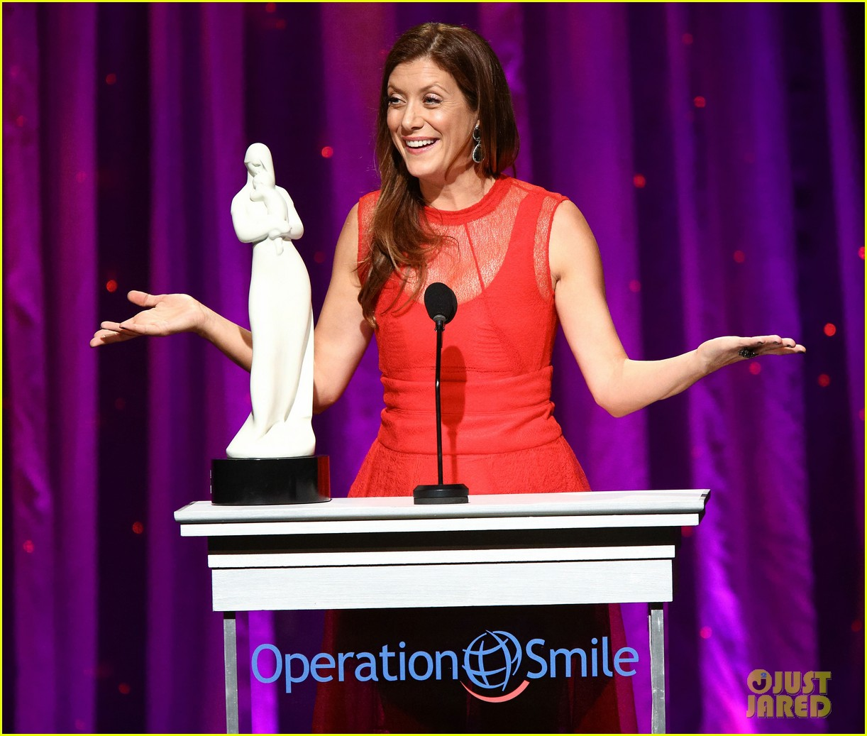 kate walsh harrison ford operation smile gala 2013 022961694