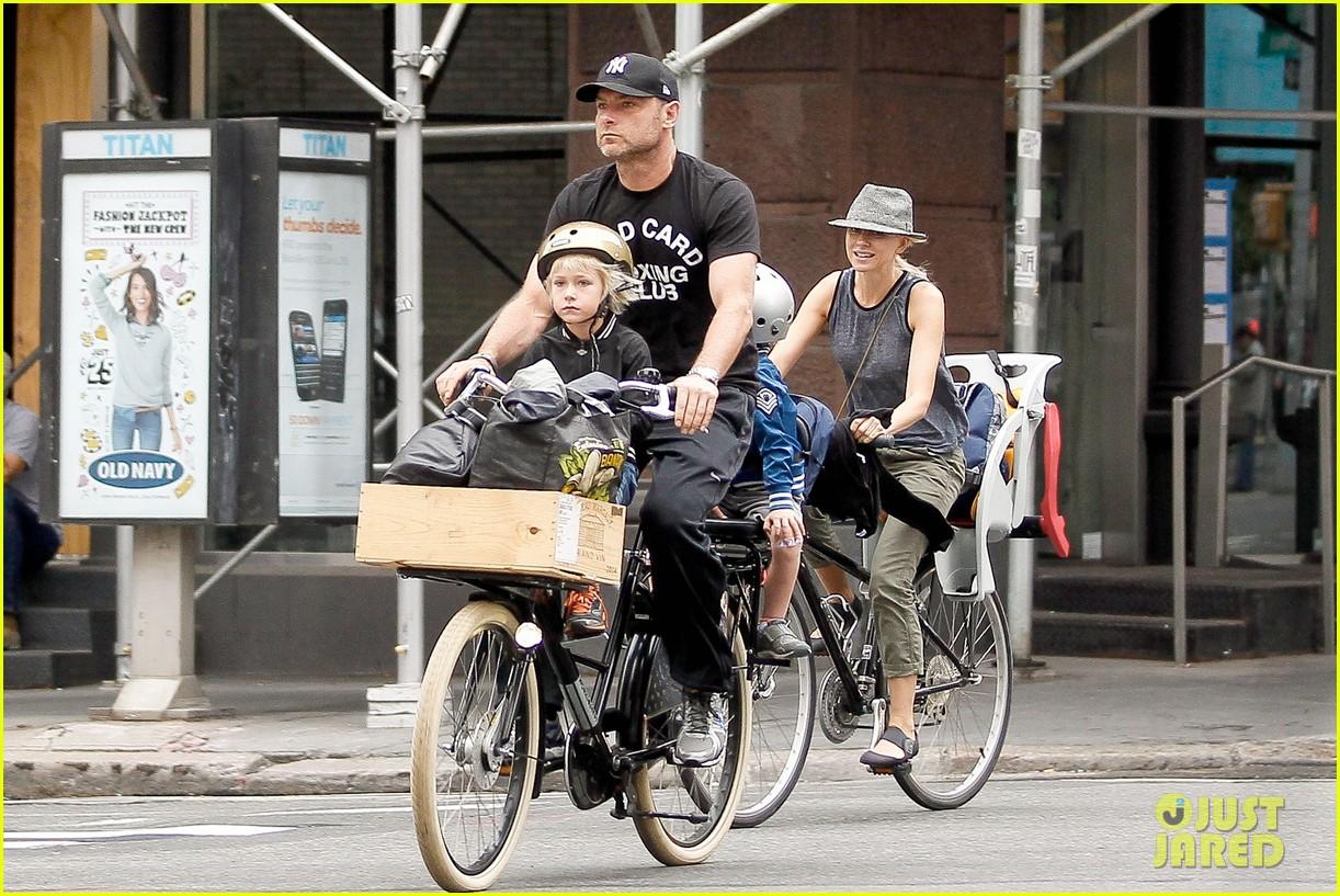 naomi watts family bike all week in new york city 062950135