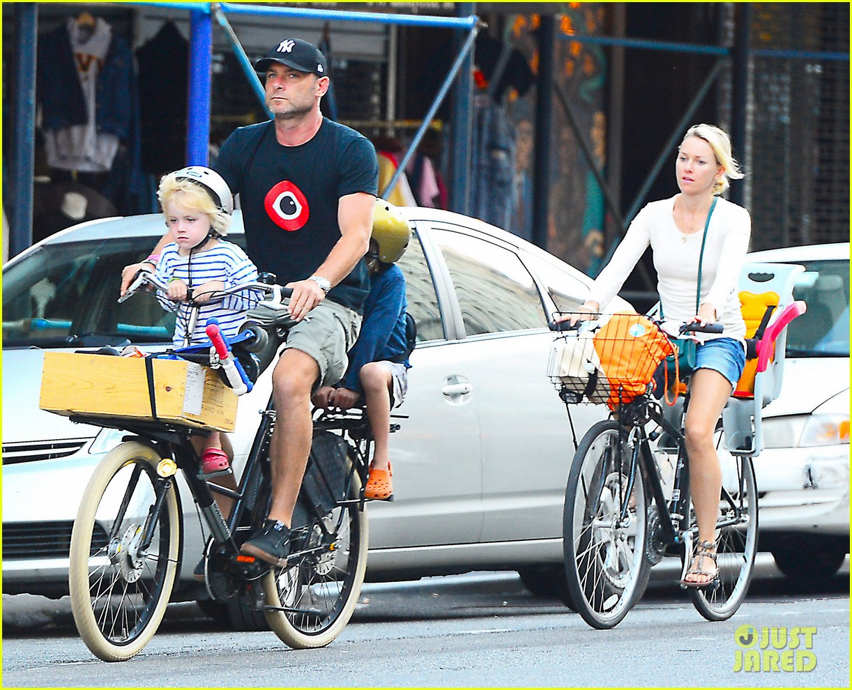 naomi watts family bike all week in new york city 112950140