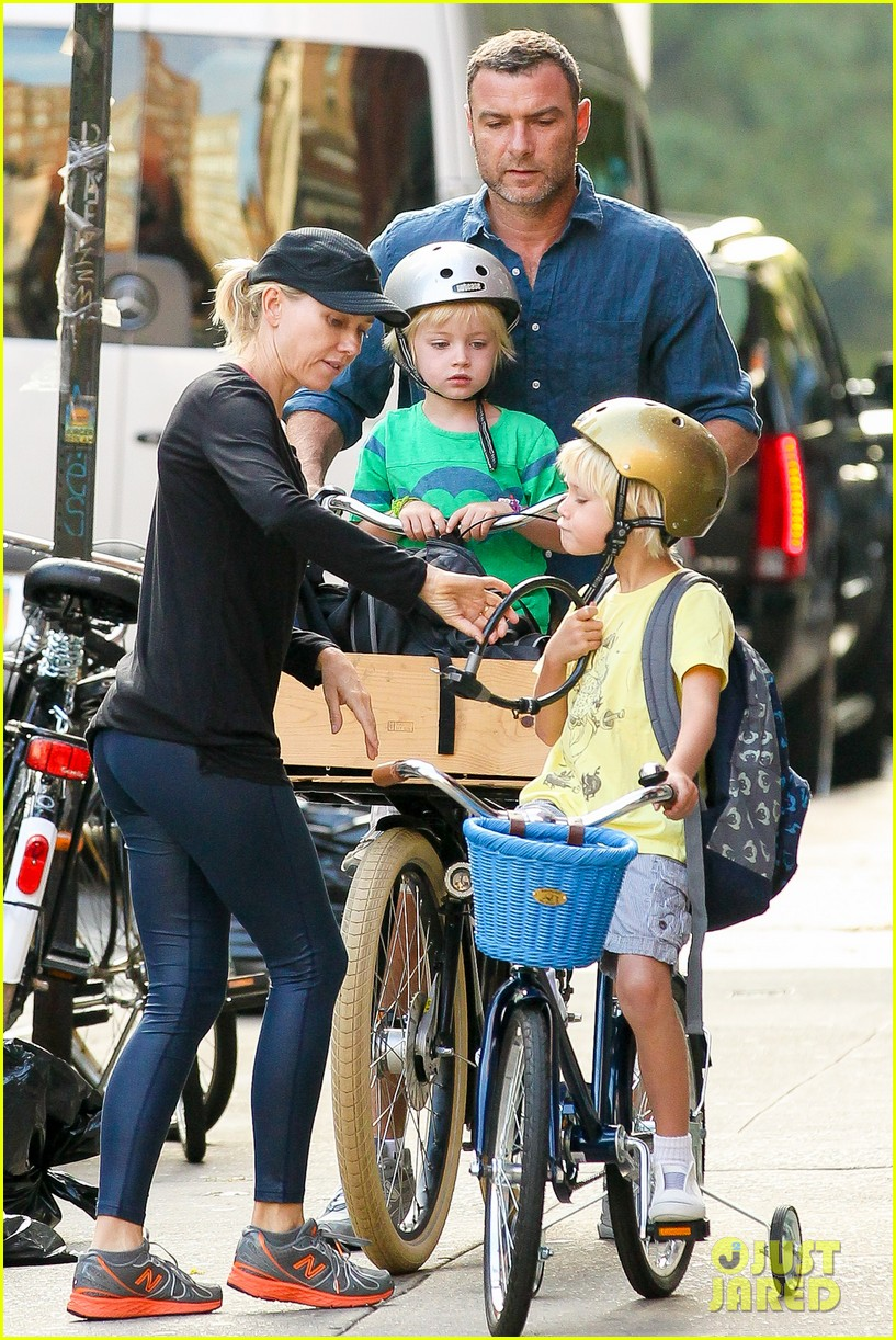 naomi watts family take on morning with early exercise 05