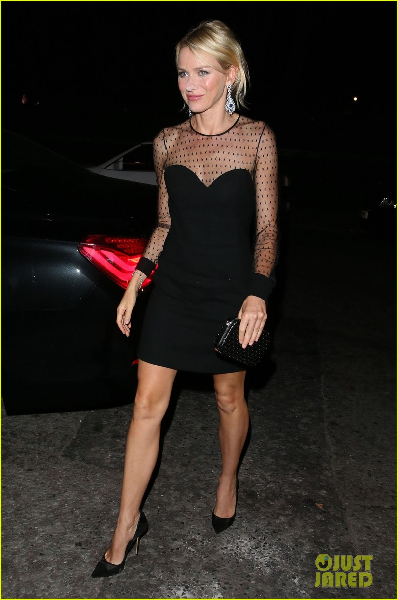 naomi watts switches dresses for diana premiere party 01