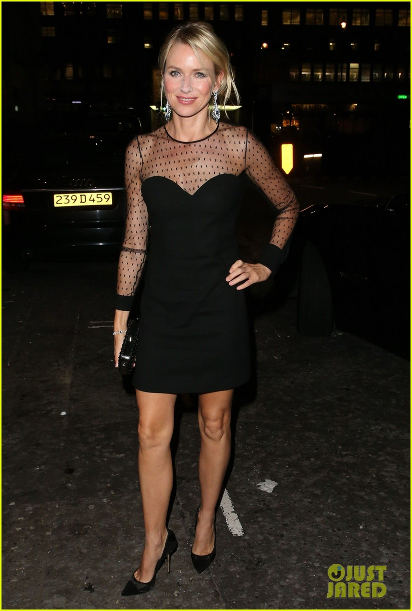 naomi watts switches dresses for diana premiere party 032944891