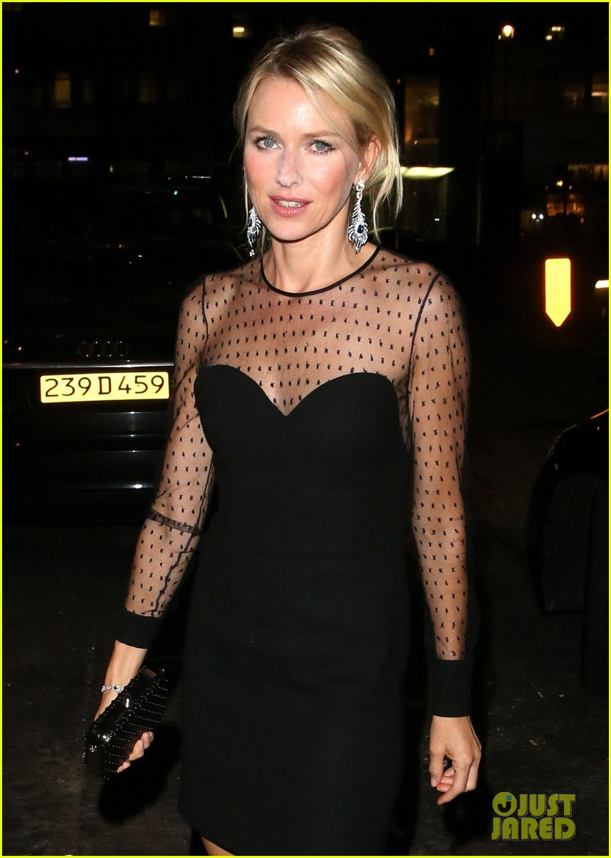 naomi watts switches dresses for diana premiere party 042944892
