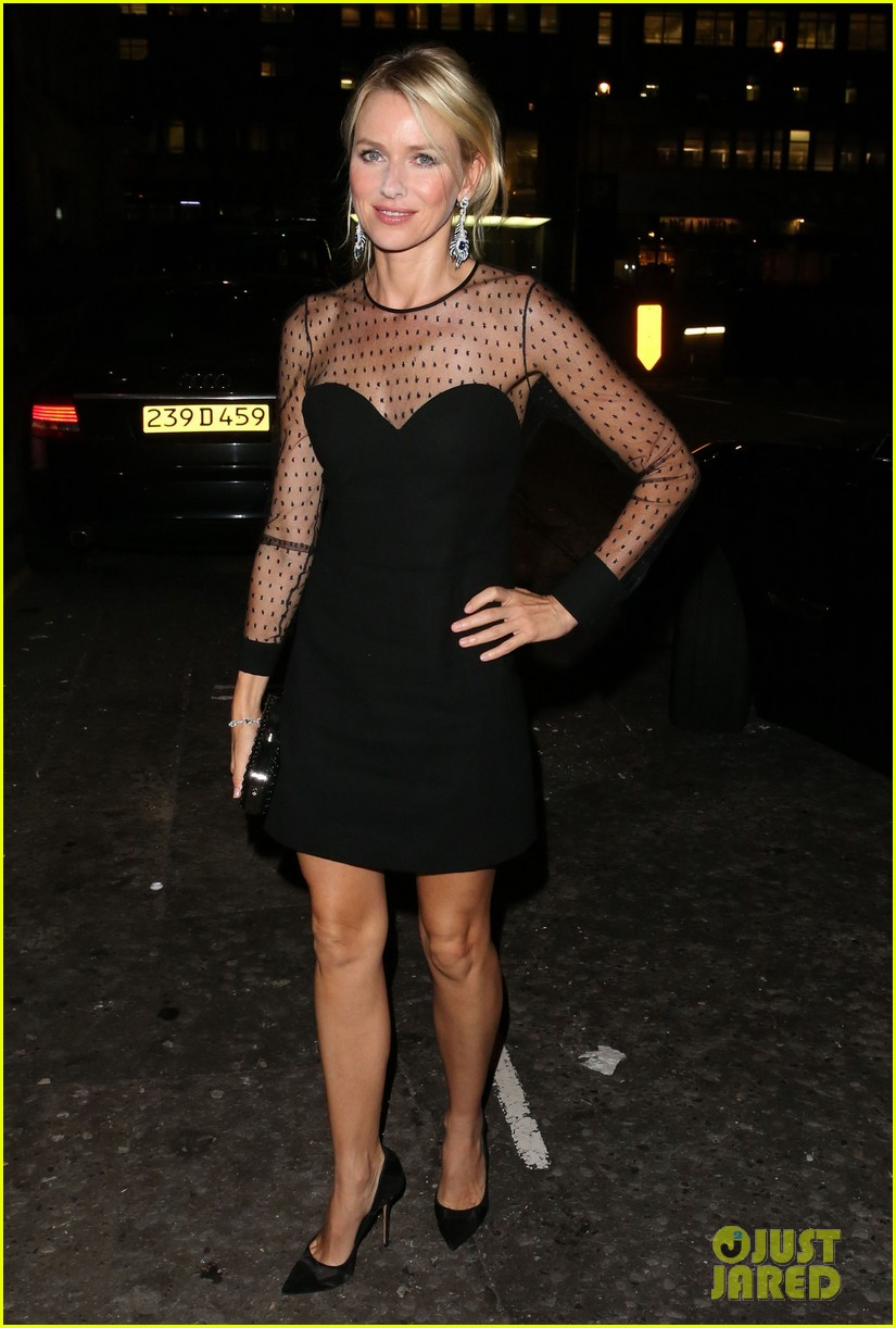 naomi watts switches dresses for diana premiere party 052944893