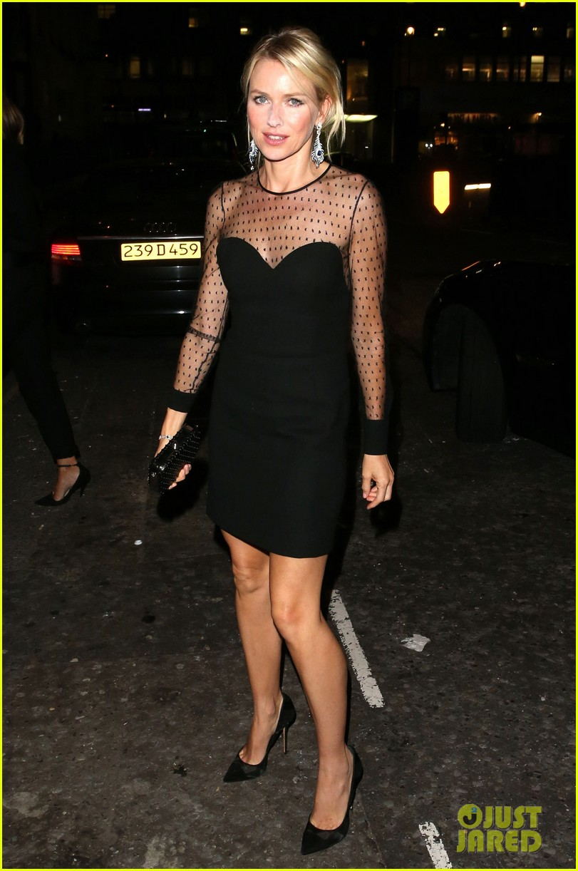 naomi watts switches dresses for diana premiere party 072944895