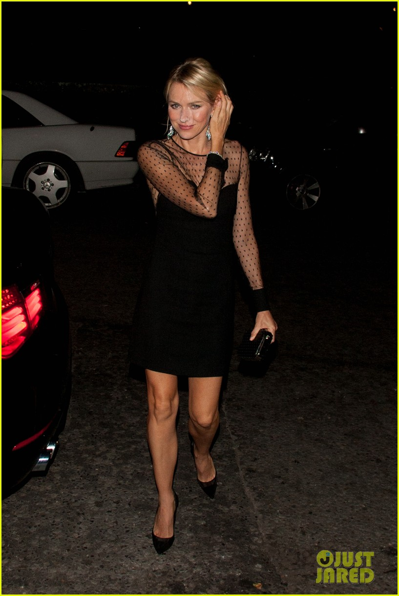 naomi watts switches dresses for diana premiere party 082944896