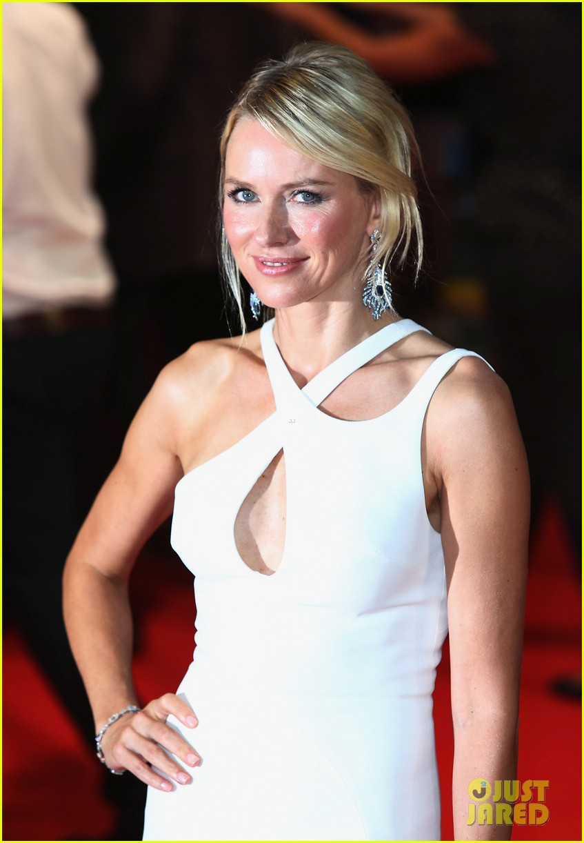 naomi watts diana world premiere with naveen andrews 022944648