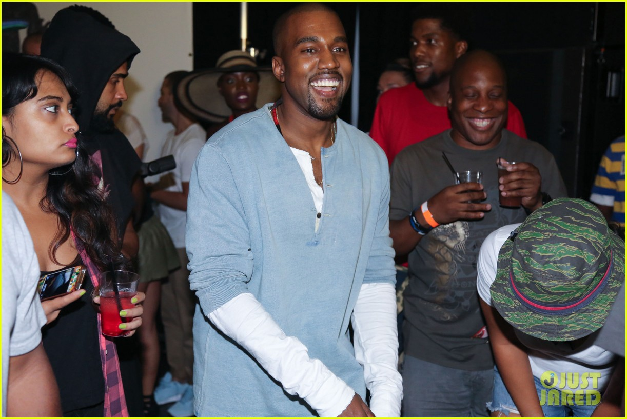 kanye west mnimn listening party 02