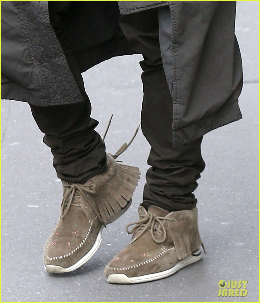 kanye west promotes yeezus in paris 112954635
