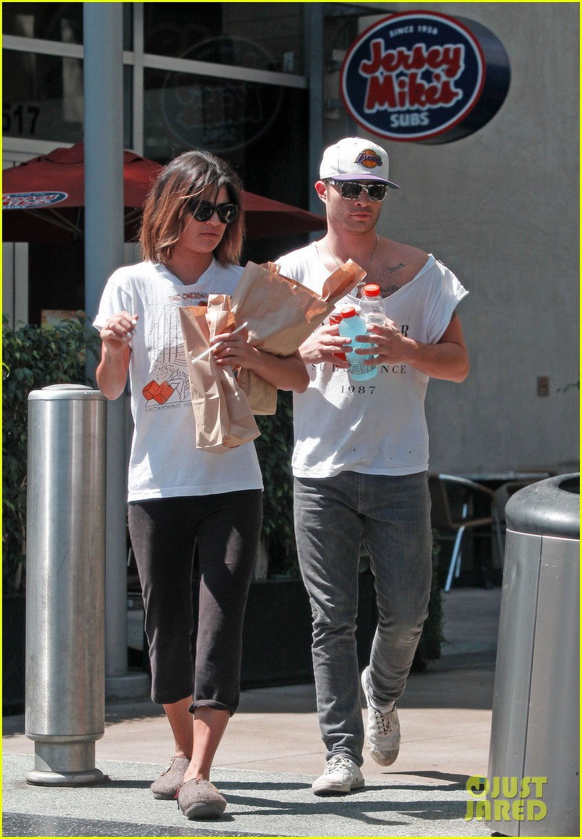 ed westwick jessica szohr grab lunch at jersey mikes 072941851