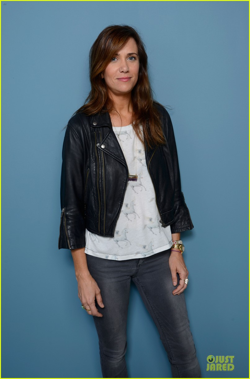 kristen wiig hateship loveship portrait session at tiff 062946031