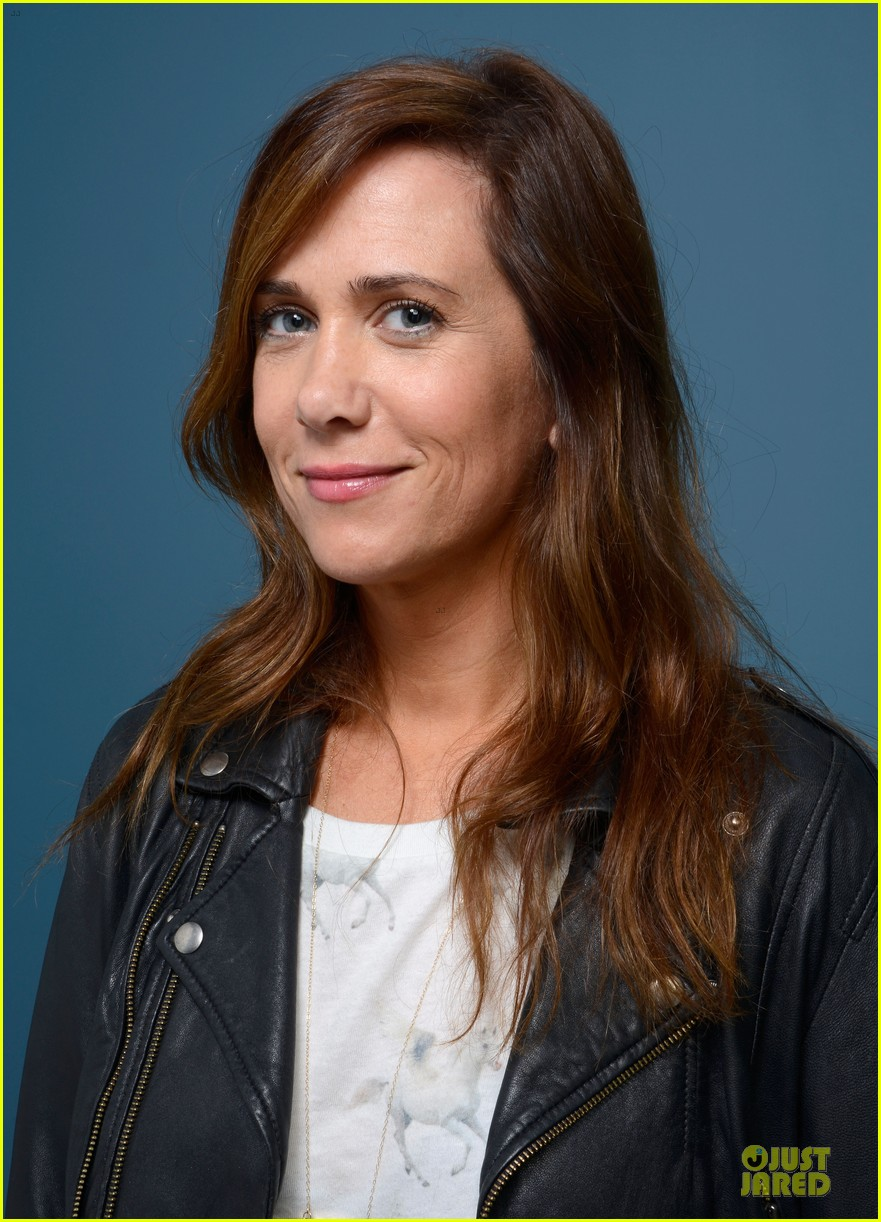 kristen wiig hateship loveship portrait session at tiff 122946037