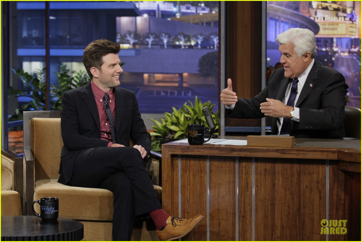olivia wilde cher lloyd tonight show with jay leno guests 032959465
