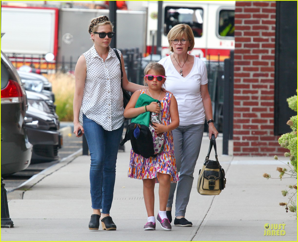 michelle williams goes wild with matilda after birthday 032949586