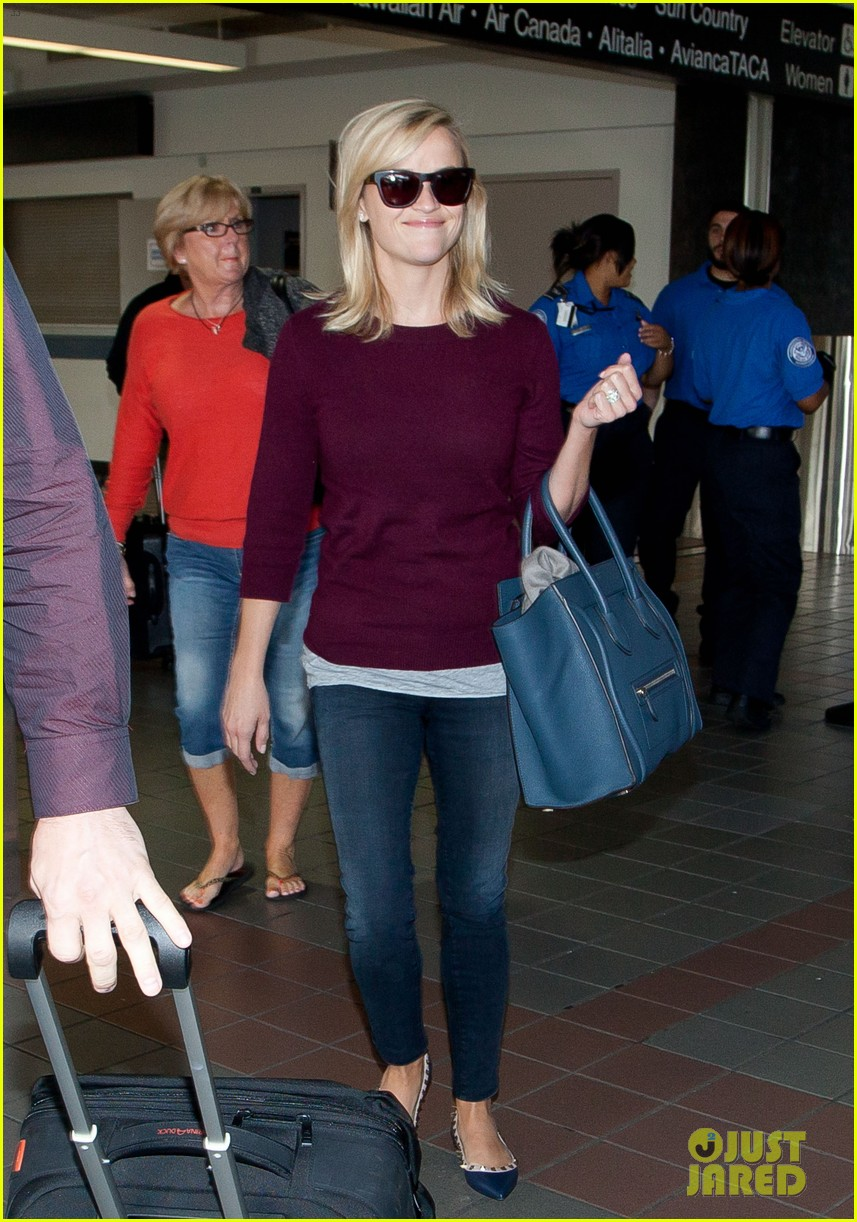 reese witherspoon hits lax after devil's knot tiff premiere 052949102