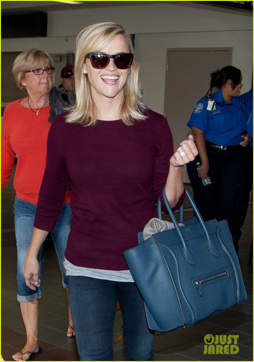 reese witherspoon hits lax after devil's knot tiff premiere 062949103
