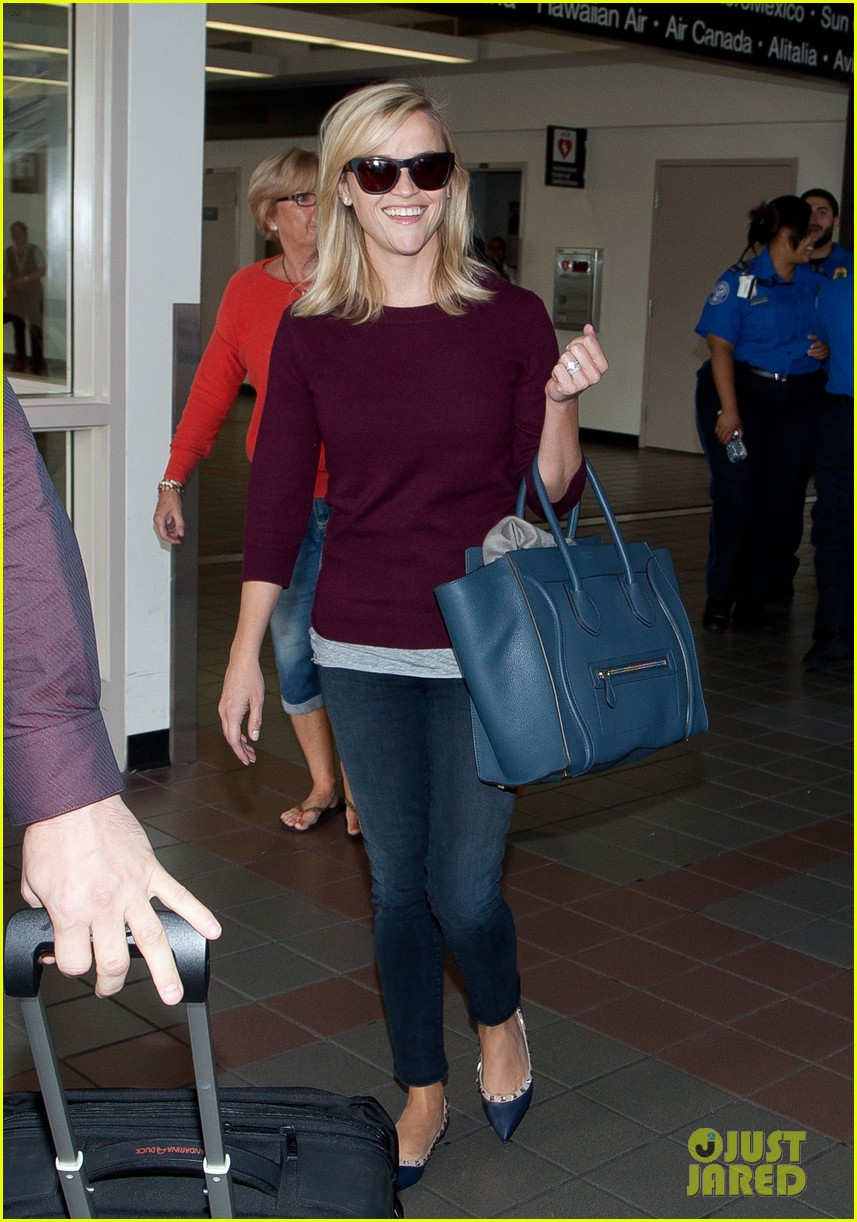 reese witherspoon hits lax after devil's knot tiff premiere 072949104