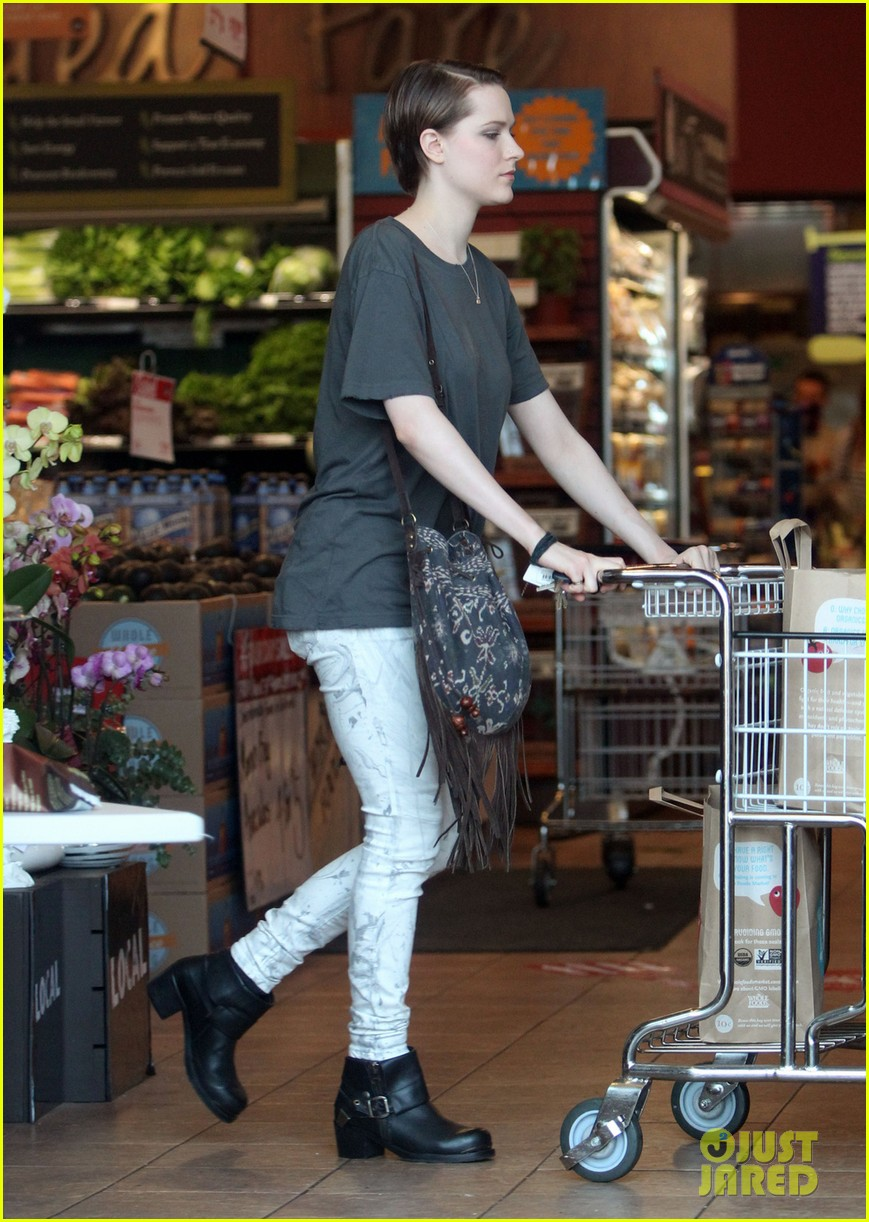 evan rachel wood steps out after giving birth 012944587