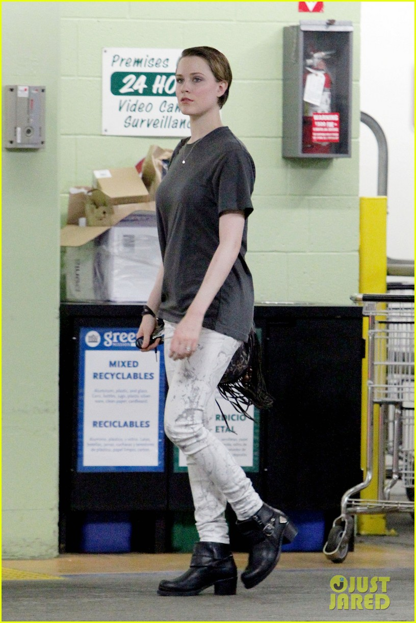 evan rachel wood steps out after giving birth 052944591