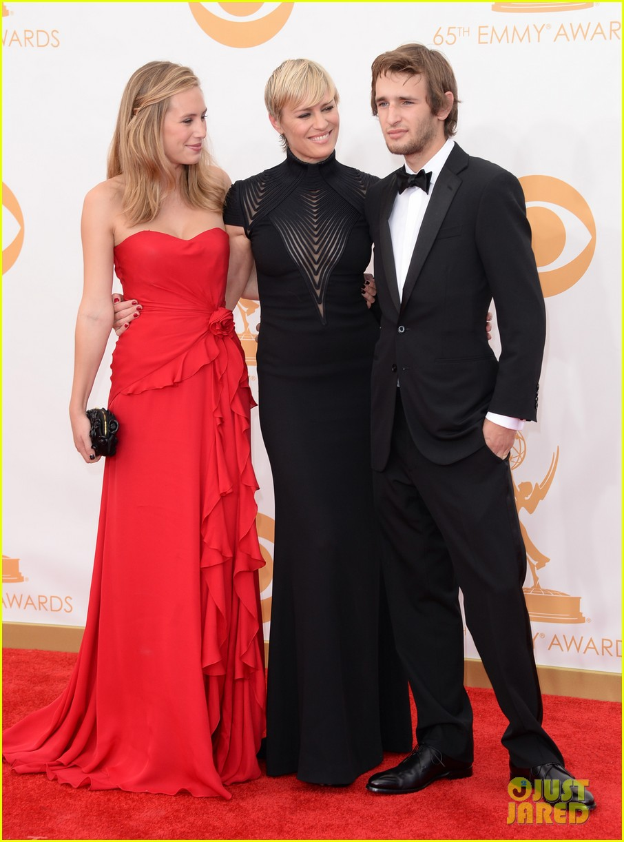 robin wright emmys 2013 red carpet with her kids 032958376