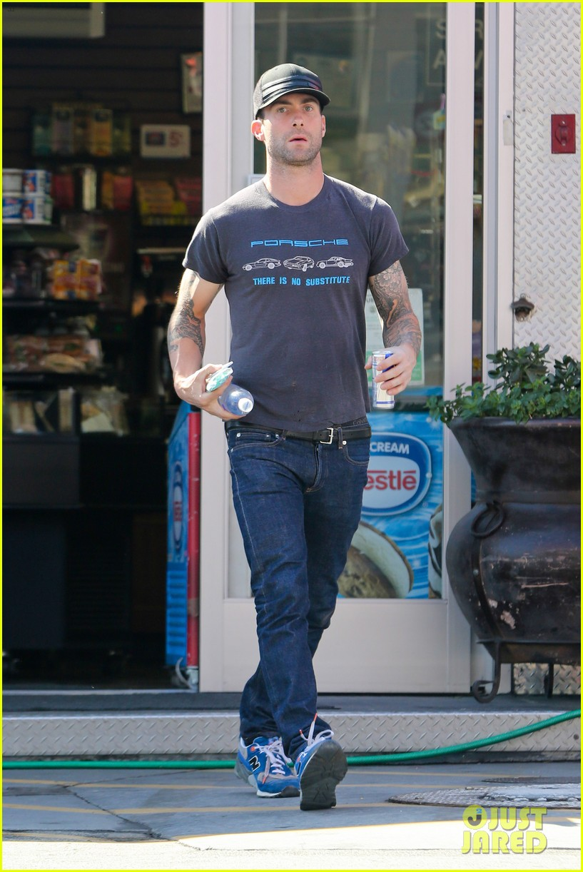 adam levine steps out after dinner with behati prinsloos parents 012975549