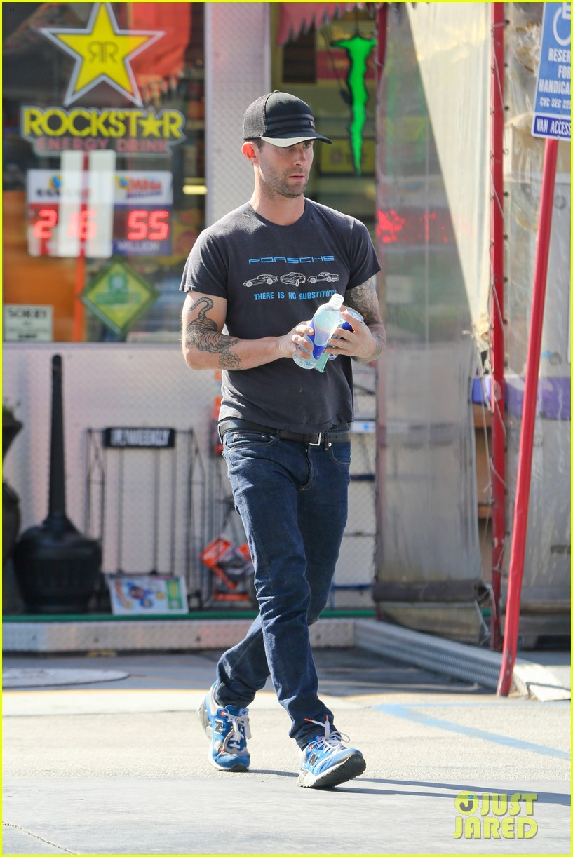 adam levine steps out after dinner with behati prinsloos parents 142975562