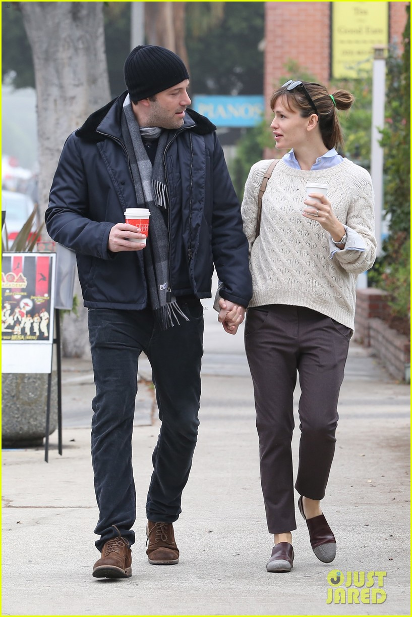 ben affleck jennifer garner hold hands for coffee run 262981402