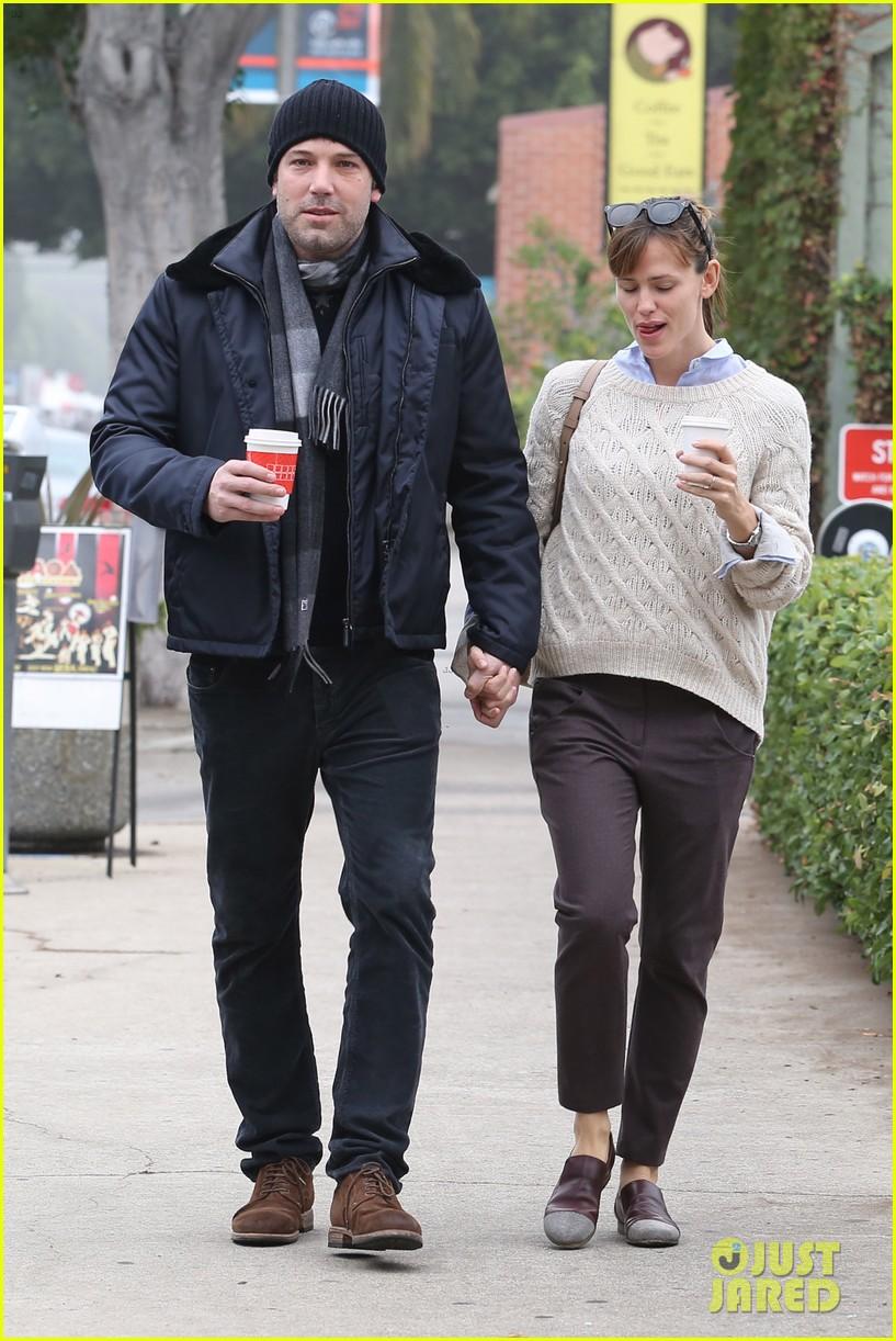 ben affleck jennifer garner hold hands for coffee run 272981403
