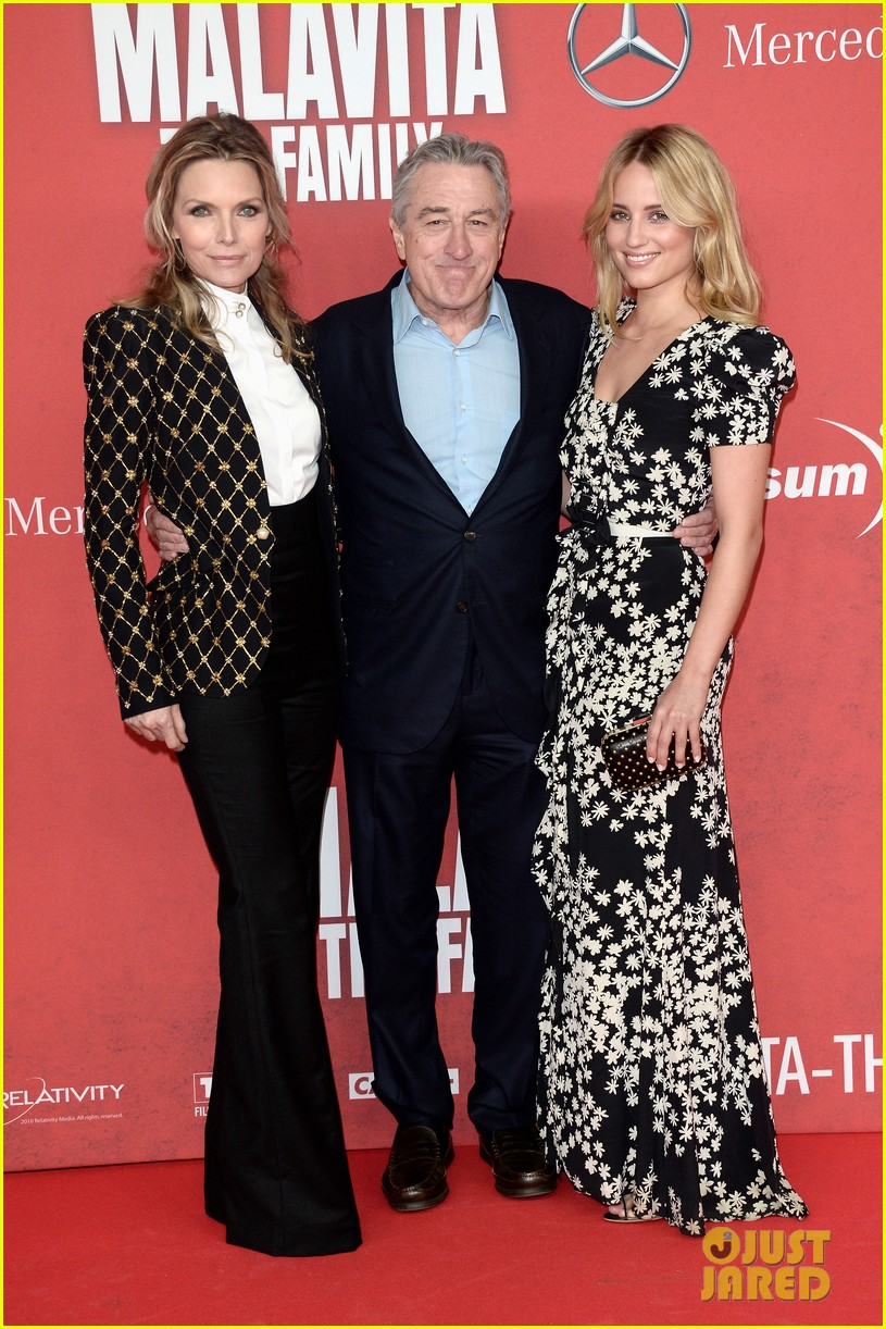 dianna agron michelle pheiffer family germany premiere 032972471
