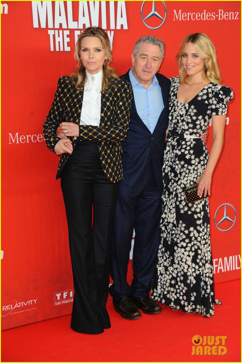 dianna agron michelle pheiffer family germany premiere 052972473