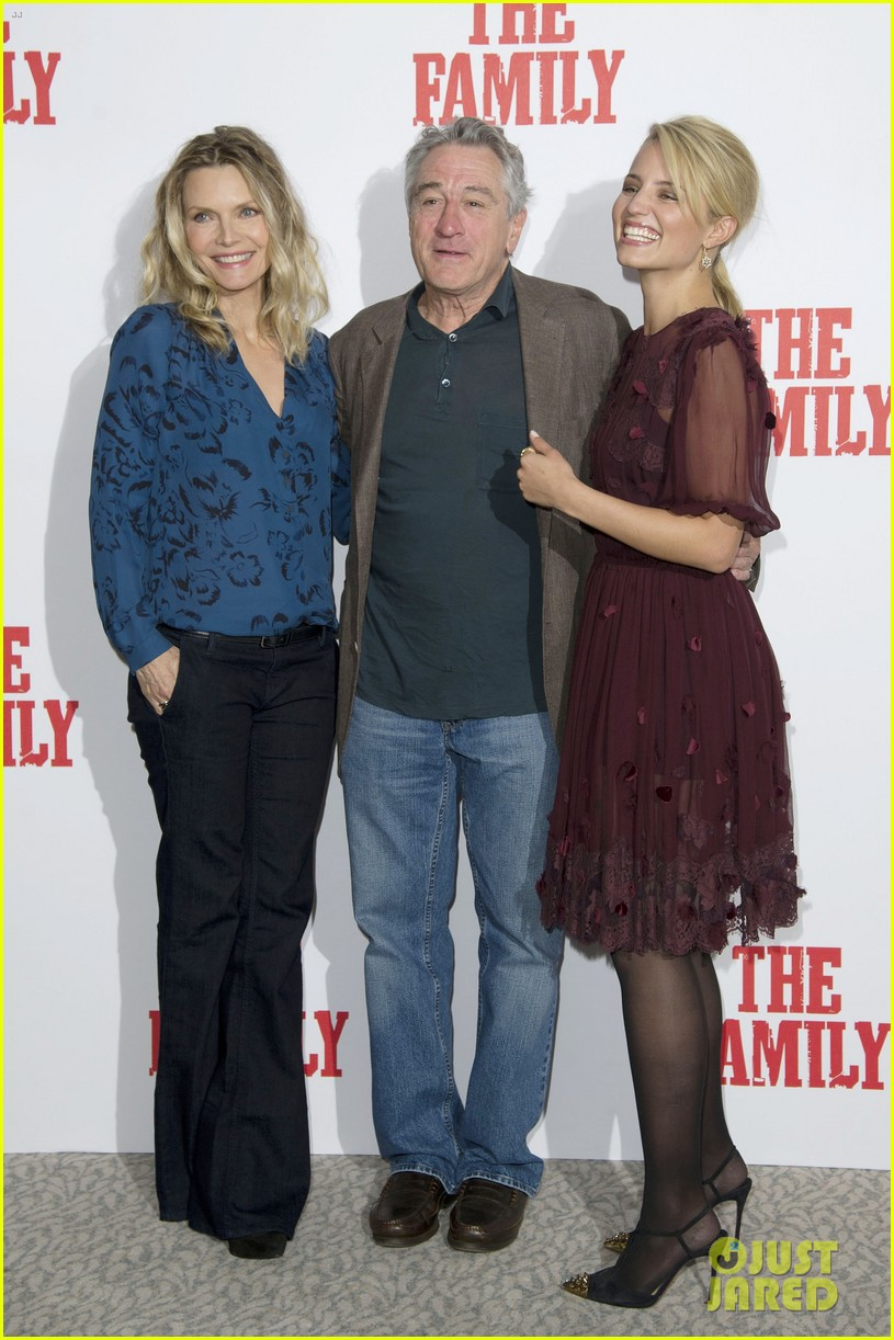 dianna agron michelle pfeiffer family london photo call 052971714