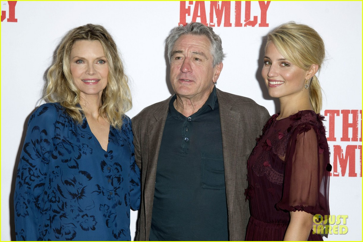 dianna agron michelle pfeiffer family london photo call 062971715