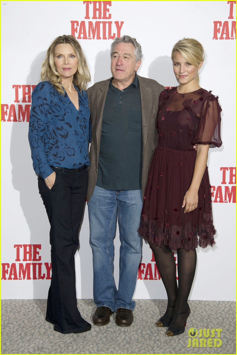 dianna agron michelle pfeiffer family london photo call 072971716