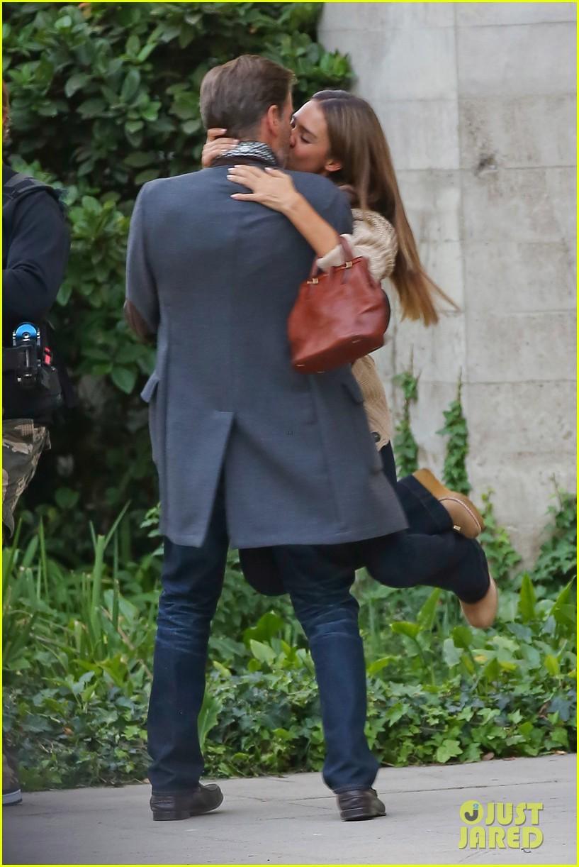 jessica alba passionately kisses pierce brosnan for movie 202983302