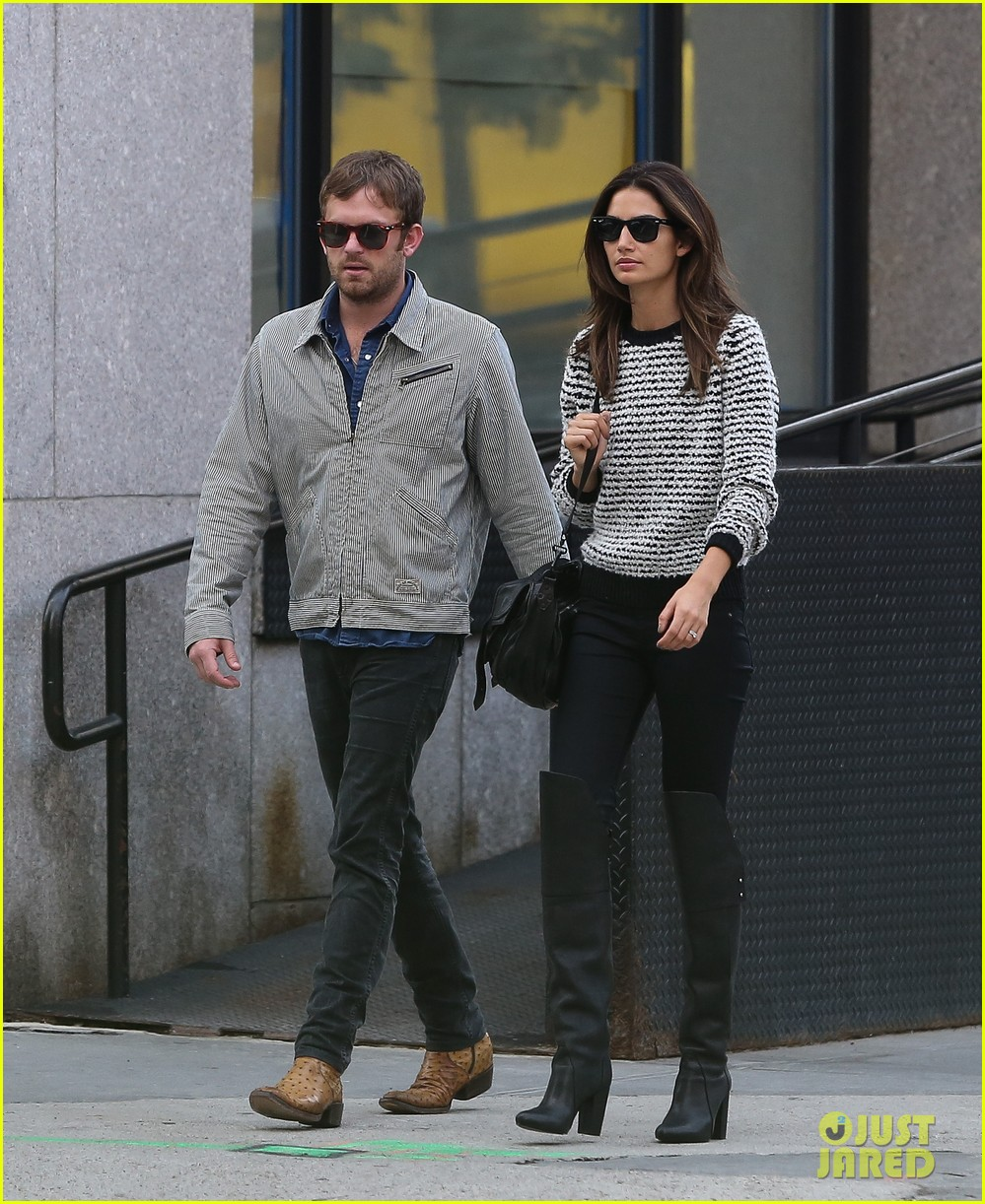 lily aldridge caleb followill stroll through tribeca 012973649
